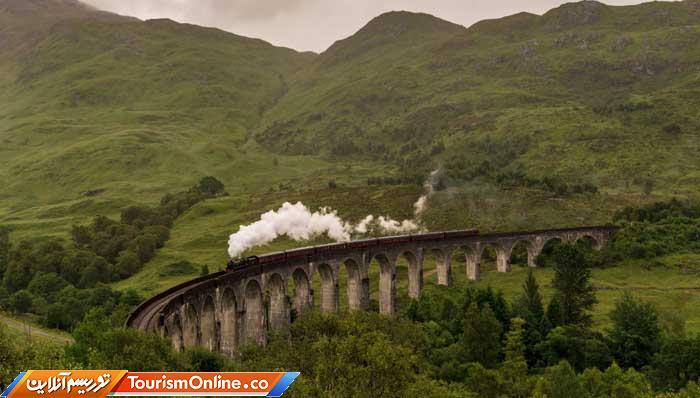 پل طاق مانند ریلی در اسکاتلند -Glenfinnan