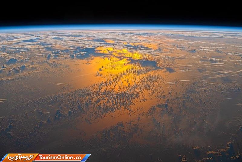 غروب خورشید از فضا