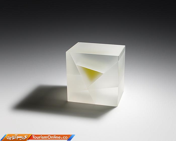 شیشه نیمه شفاف