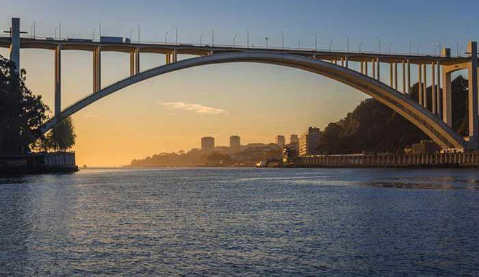 پورتو؛شهری توریستی همراه با توانگری در جاذبه های تاریخی و فرهنگی!