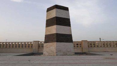 برج سیاه و سفید بندر جاسک