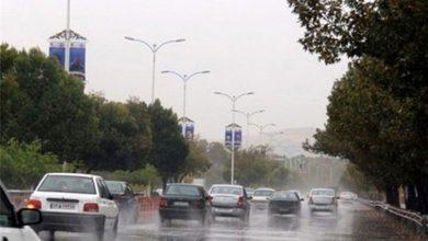بارش باران در جاده
